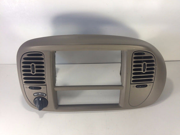 1997 98 99 01 2002 FORD EXPEDITION F-150 Radio bezel w/ vents & 4x4 switch BROWN
