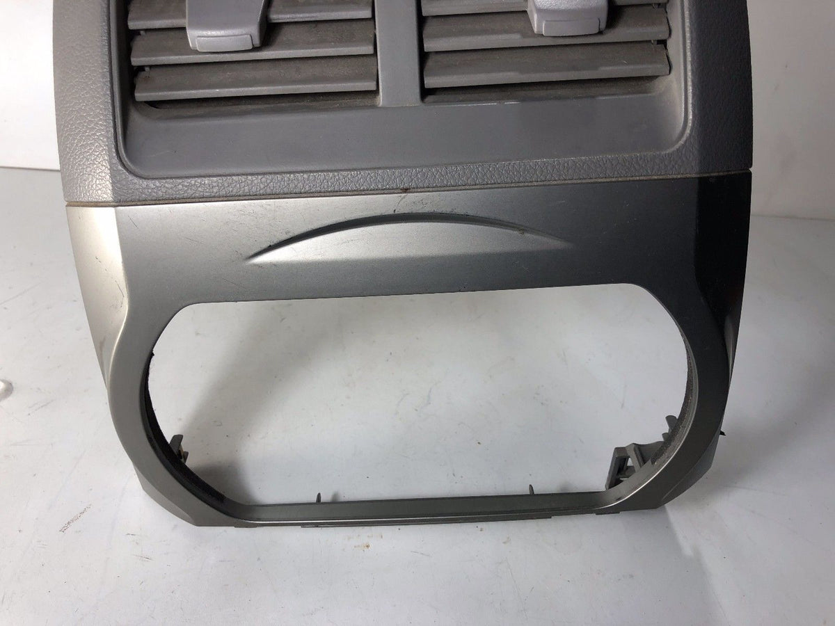 02 03 04 NISSAN ALTIMA CENTER DASH AC VENT RADIO BEZEL ...