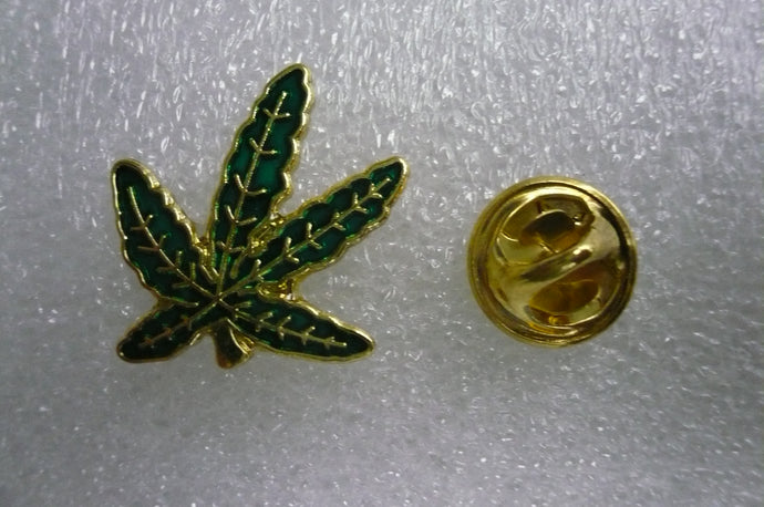 Leaf Pin Green