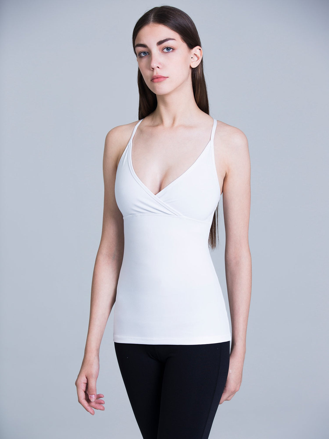 ATTRACTION TANK, WHITE