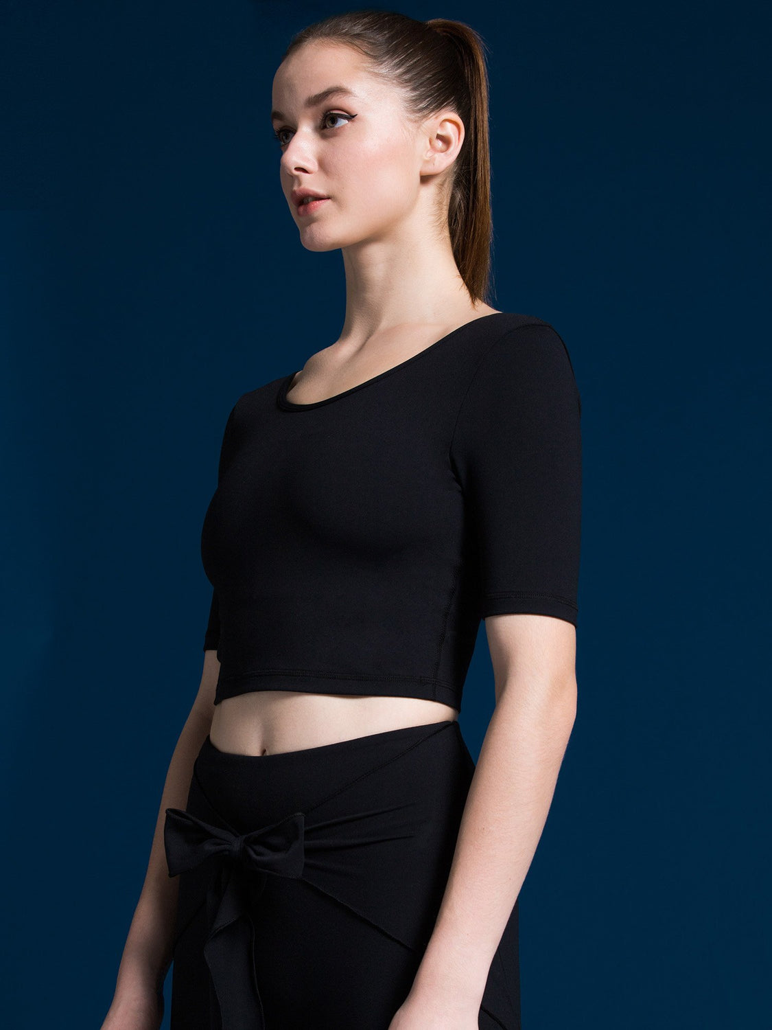 STRAP BACK CROP TEE, BLACK