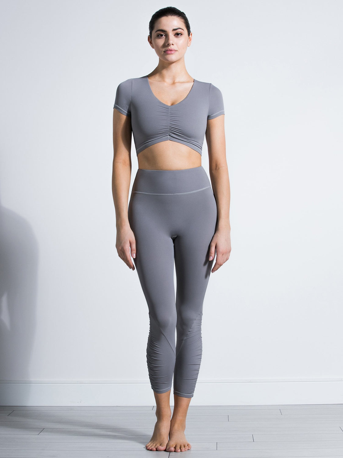 RUCHED NUDE TEE, LUNAR GREY