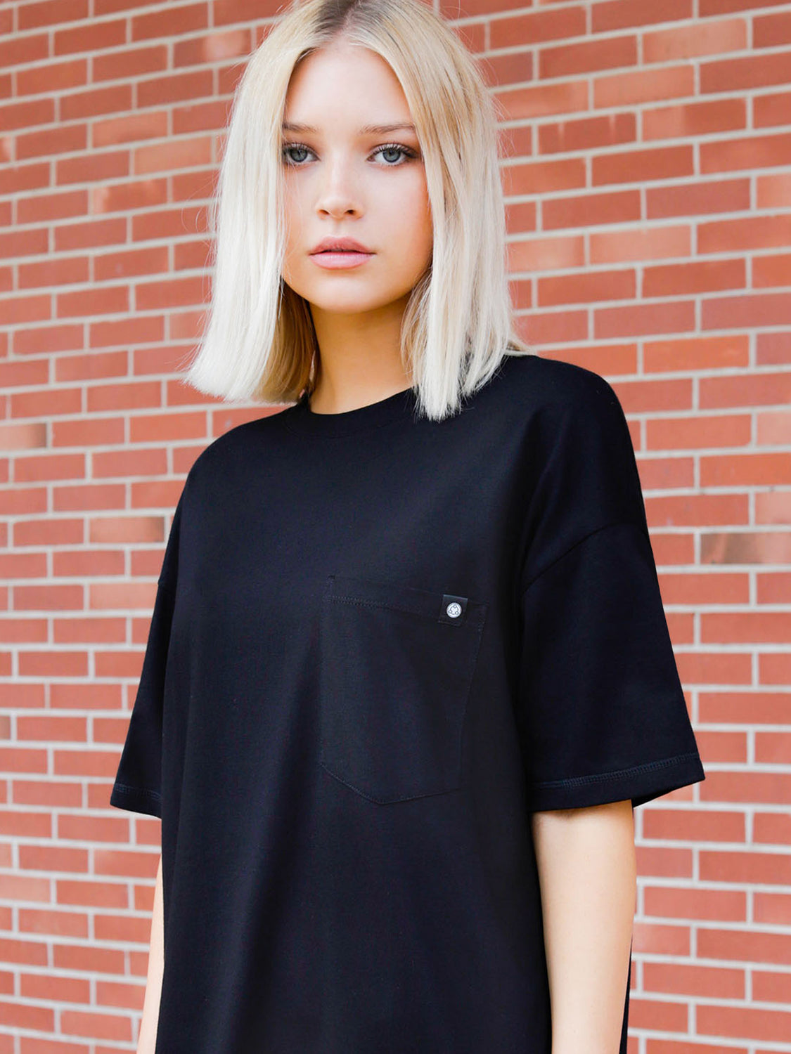 OVERSIZED POCKET TEE, BLACK