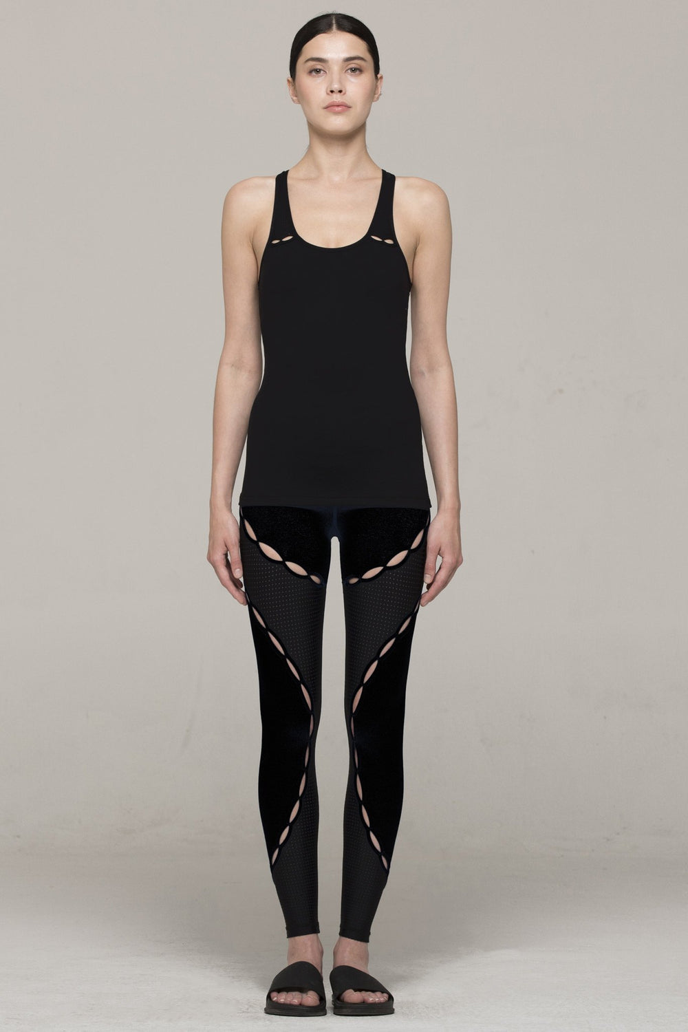 RESONANCE TANK, BLACK/PERFORATED BLACK