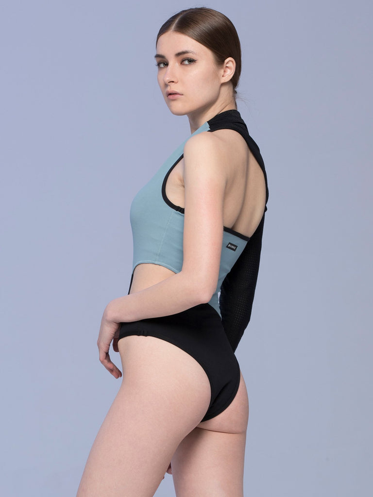 STRAIT BODYSUIT, STORM/PERFORATED MESH