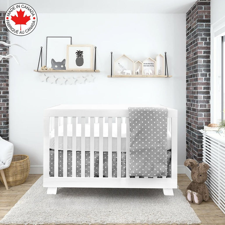 BEBELELO - 4 PIECE BEDDING FOR GRAY AND WHITE BABY WITH A PATTERN OF TRIANGLES # 485