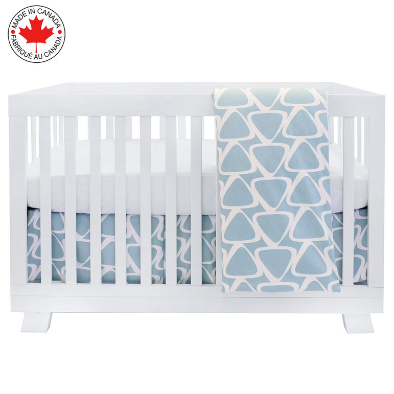 BEBELELO- 4 PIECE BEDDING FOR BLUE AND WHITE BABY WITH A PATTERN OF TRIANGLES - # 617