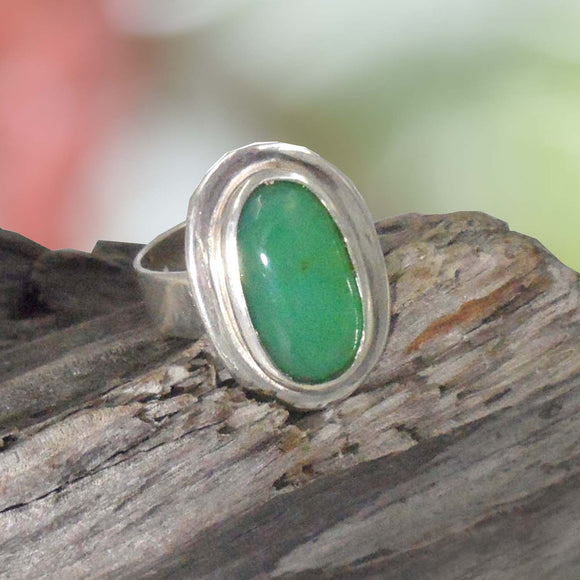 OVAL CHRYSOPRASE in Silver Ring