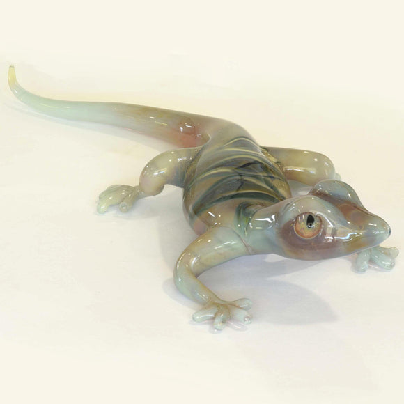 LT GREY/GREEN HANDCRAFTED GLASS GECKO