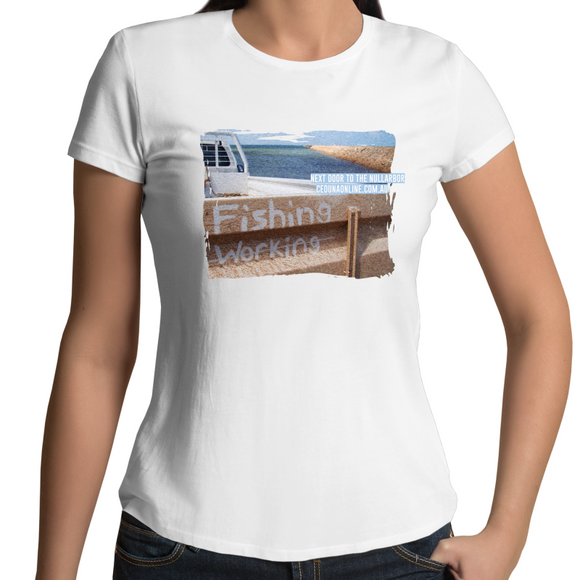 FISHING NOT WORKING - Womens Souvenir Surf T-shirt