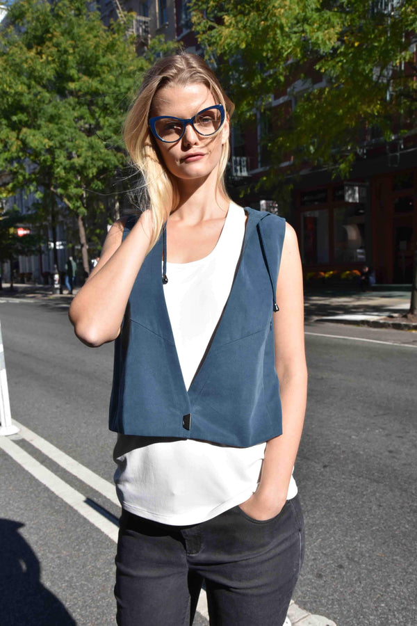 Weekend Vest Vests The Eight Senses®