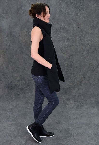 The 8-Pocket Scarf Scarf The Eight Senses®