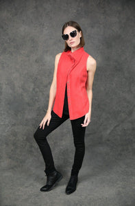 Sleeveless Buttoned-Down, Dyed Version Tops The Eight Senses®
