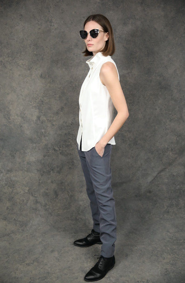 Sleeveless Buttoned-Down Tops The Eight Senses®