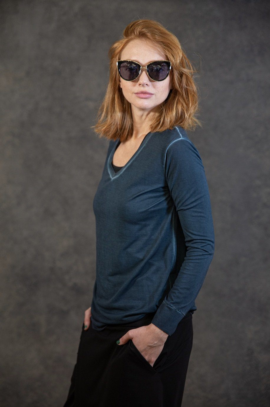V-Neck Tee (Dyed Version) Tops The Eight Senses® Dark Teal XS