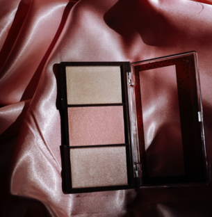 Discover Found Instant Glow Highlighting Palette
