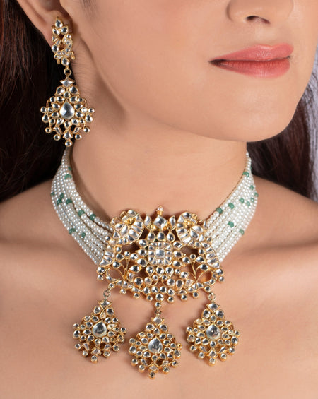 Kundan Floral Necklace Set With Pastel Pink Beads and Pearls