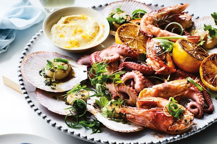 Seafood Platter with Oregano and Garlic Dressing