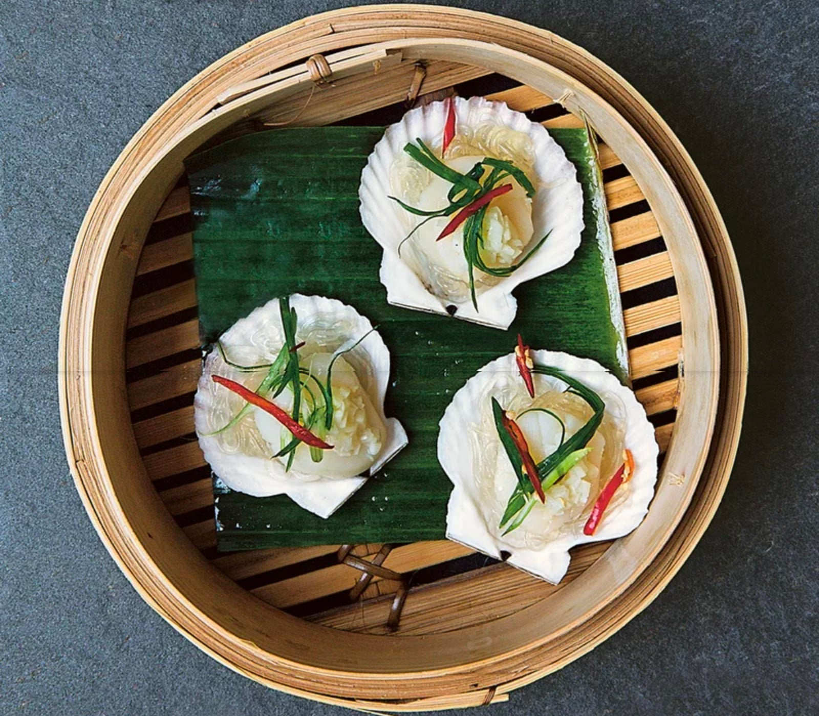 Steamed Scallops with Garlic