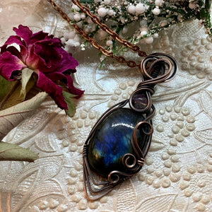 Labradorite in copper with fluorite
