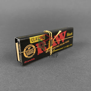 RAW Black Connoisseur 1 1/4 - Rolling Paper with Tips