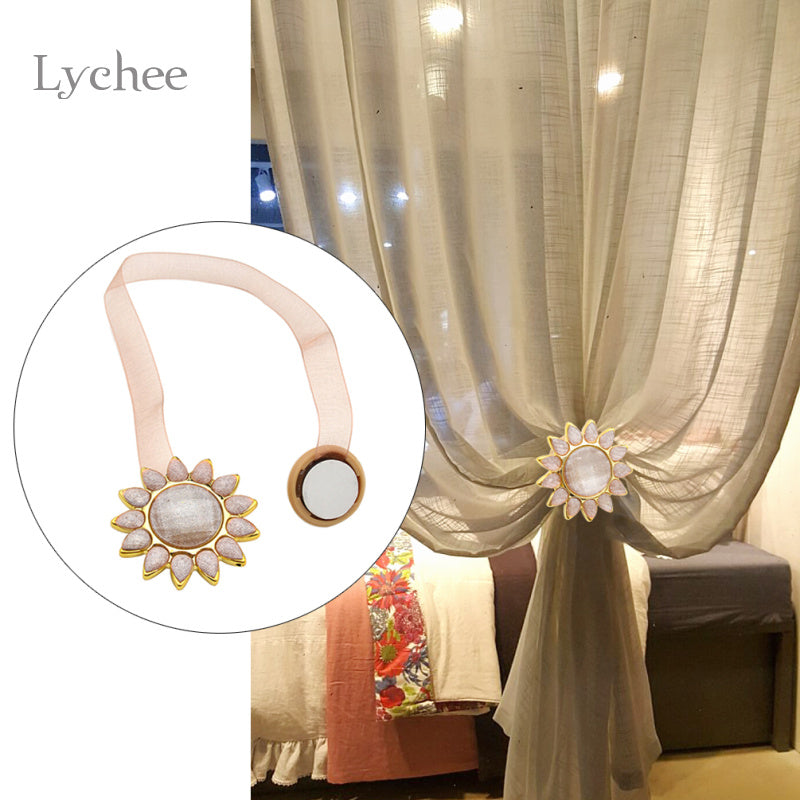 https://cdn.shopify.com/s/files/1/2617/5186/products/Lychee-1-Piece-Sunflower-Magnetic-Voile-Curtain-Buckle-Holder-Tieback-Curtains-Holdback-Window-Curtain-Accessories_2d6e7ede-db01-4a71-9dbf-0520cf0f94ee.jpg?v=1521114601