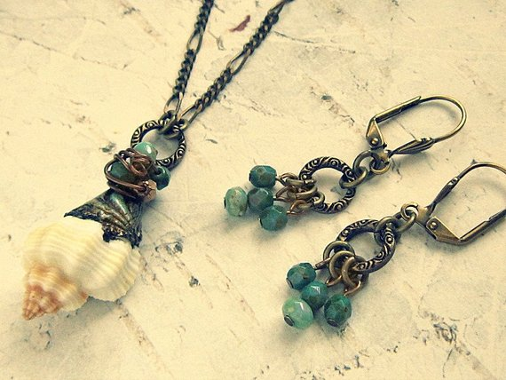 Real Seashell Necklace And Earrings Set