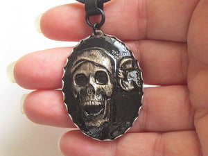 pirate skull oval pendant necklace