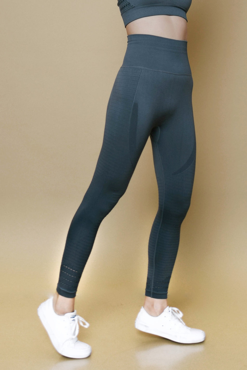 MOMENTUM LEGGINGS - SMOKE