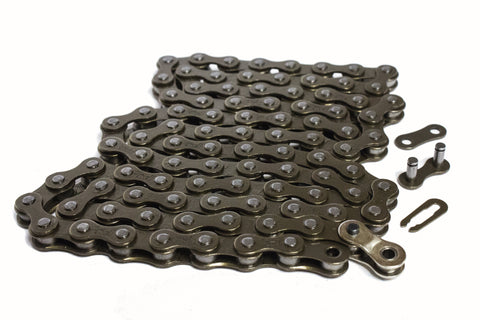 "Illegal Bikes 410 Chain With Halflink Chain 1/2"" x 1/8"", Black"