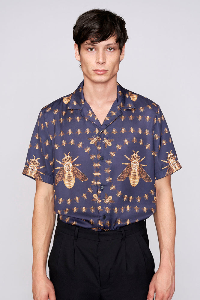 Load image into Gallery viewer, Blue bee print revere collar regular fit shirt - H E R M A N O