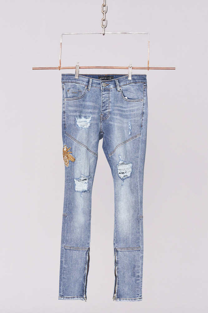 Load image into Gallery viewer, Mid Wash Embroidered Bee Jean - H E R M A N O