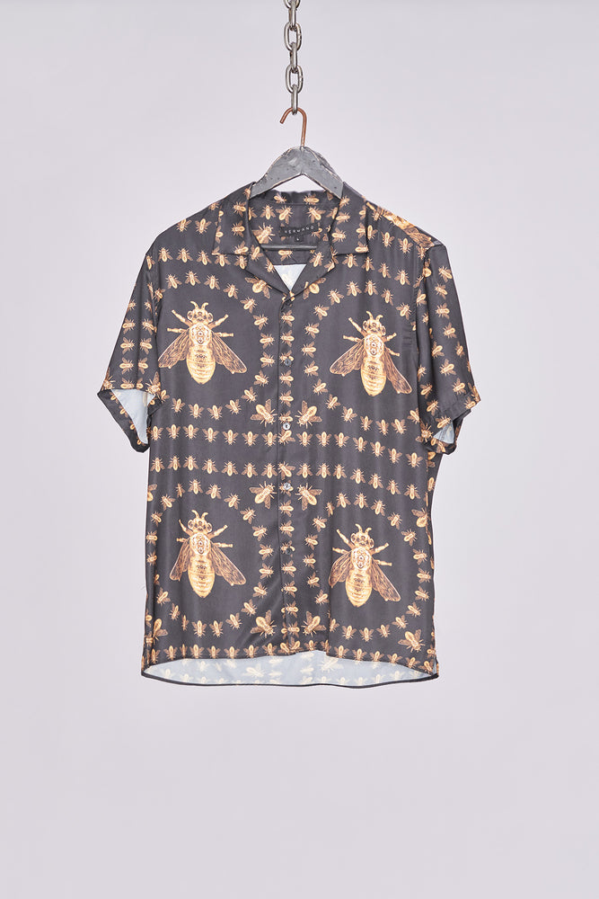 Black Revere Collar Bee Print Short Sleeve Shirt - H E R M A N O