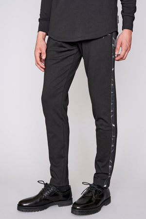 Load image into Gallery viewer, Black contrast print slim fit joggers - H E R M A N O