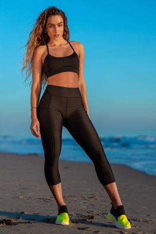 Cropped Pocket Active Leggings - Black