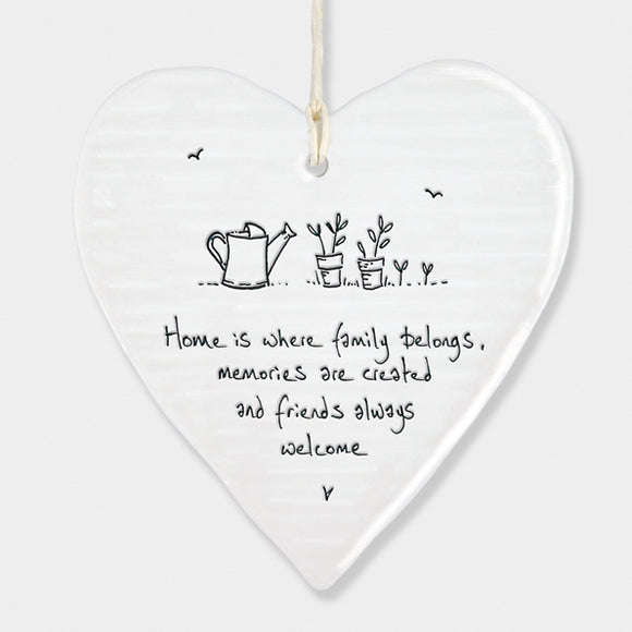East of India Wobbly round heart sign -Home is where family belongs