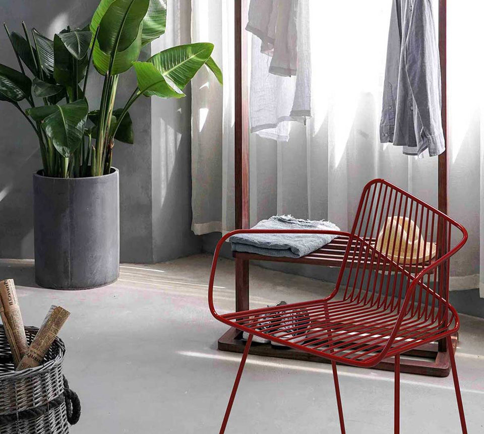 Arno atmosphere wire frame chair in red Bright potato