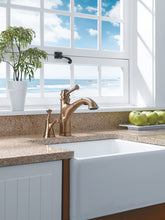 Baliza Single Handle Pull-Out Kitchen Faucet