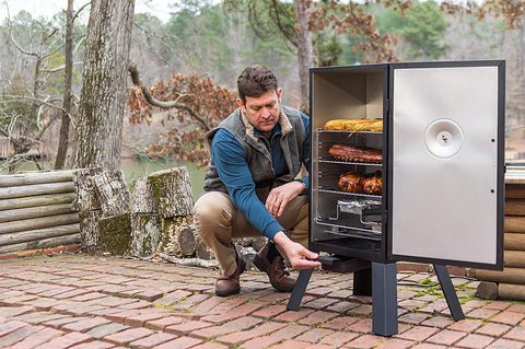 fathers-day-gift-guide-for-short-men-meat-smoker-2020
