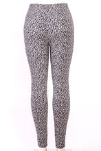 Load image into Gallery viewer, Fur-lined leggings with 4 way stretch by Just Cozy.