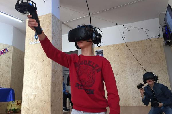 Medium Experience: Realidad Virtual 30 minutos. - Salamanca Market