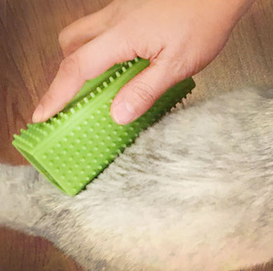 Soft Silicone Rubber Curry Comb for Cats & Dogs