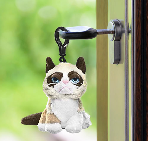 White/Brown Grumpy Cat Key Clip by Ganz