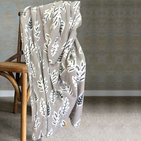 LAUREN TAYLOR -Country Cabin Assorted Print Throws