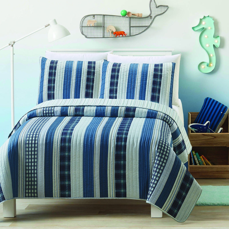 Patchwork Stripe - 3 Piece Reversible Quilt Set - Magasins Hart | Hart Stores