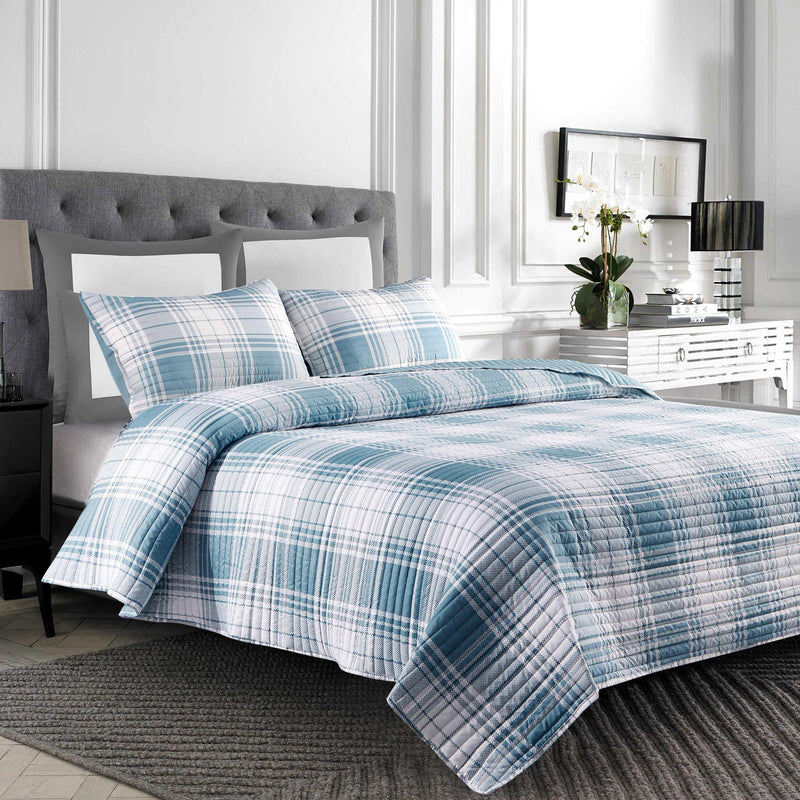 Nicole - 3 Piece Reversible Plaid to Solid Quilt Set - Magasins Hart | Hart Stores