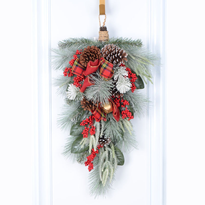"30"" Decorated Mixed Pine/Berry Teardrop - Magasins Hart 