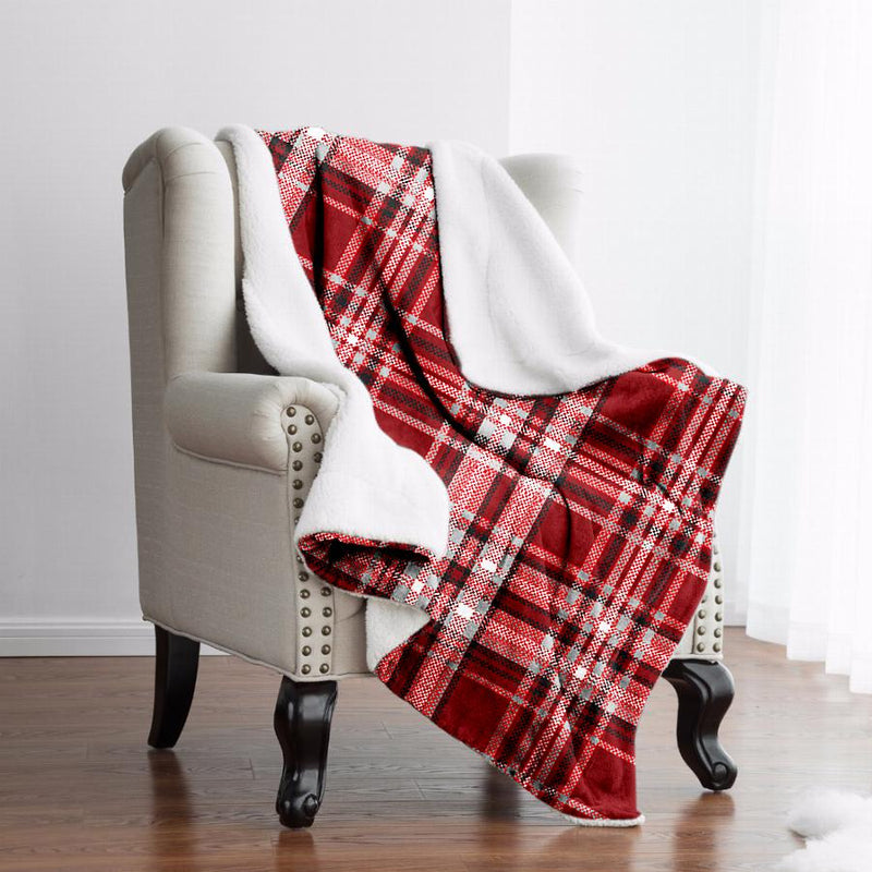 Christophe Plaid Fleece Reverse to Sherpa Throw 50x60 - Magasins Hart | Hart Stores