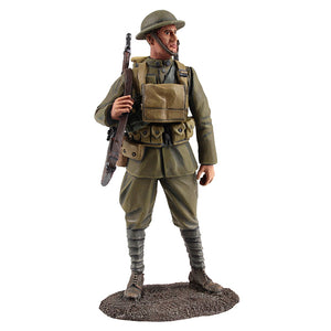 Britain Figures - WWI U.S. Infantryman Standing with Rifle Slung