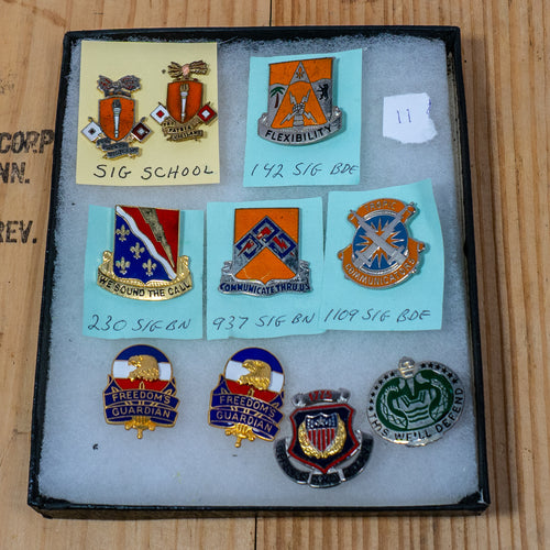 Lot of 10 Distinctive Unit Insignia / Unit Crest  - Lot #11
